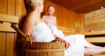 Mensen in de sauna